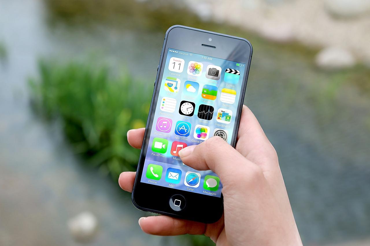 Lebensmittel Grosshandel über das Mobile Telephone