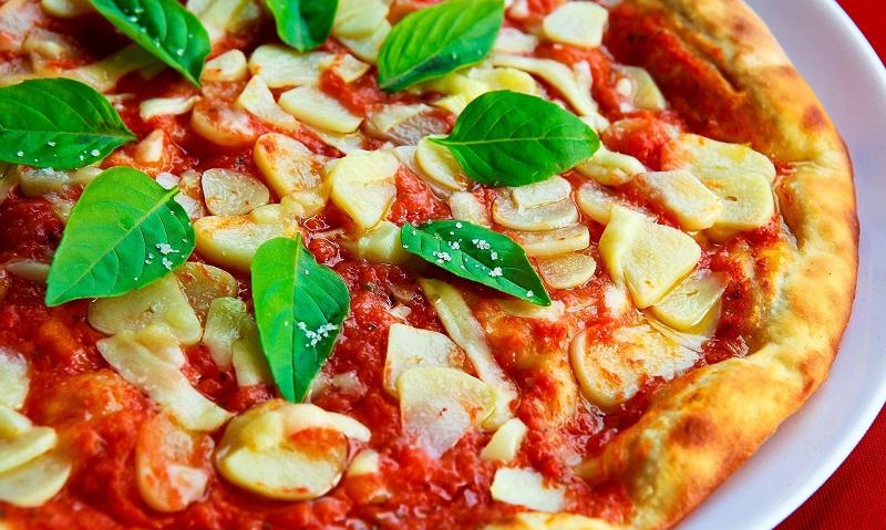 Knoblauch Pizza