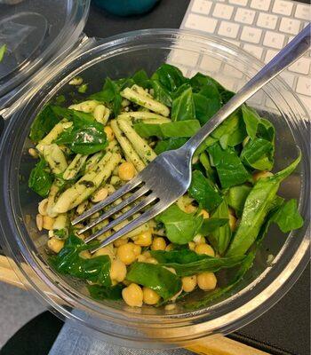 Pesto Pasta & Chickpea salad bowl