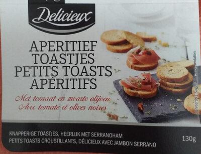 aperitief toastjes met tomaat en zwarte olijven