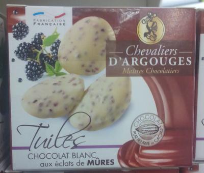 Tuiles Chocolat Blanc aux Éclats de Mûres
