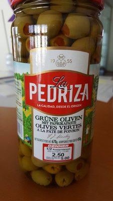 Olives vertes à la pâte de poivron